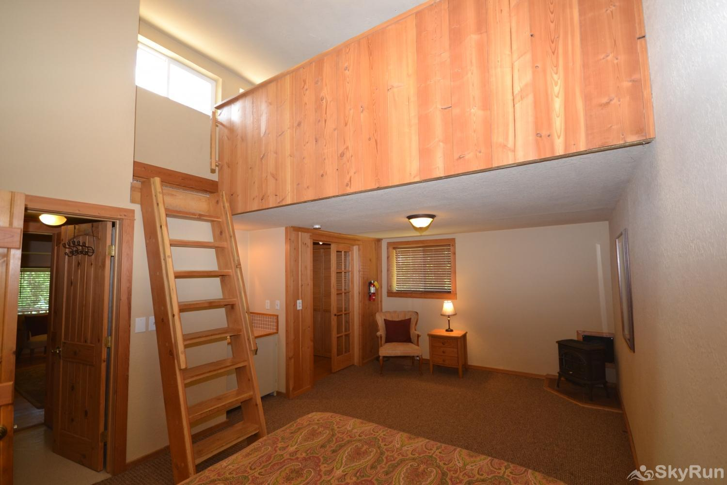 The Great House at Stillwater Mountain Lodge Ladder in 3rd bedroom leads to the loft with 2 single beds