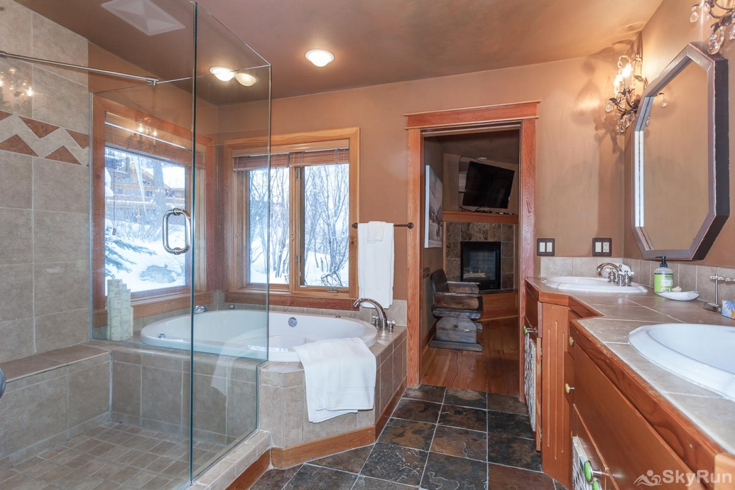 Highland Huckleberry Lodge Bison Bath = soaking tub, double vanity, walk-in shower