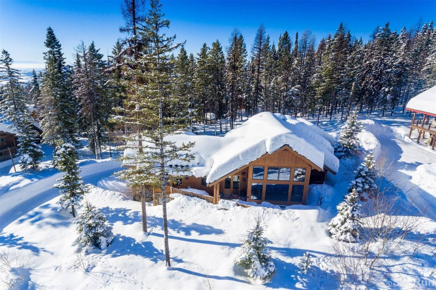 Highland Huckleberry Lodge Highland Huckleberry Lodge is just a 15 drive to Whitefish Lake and Downtown Whitefish